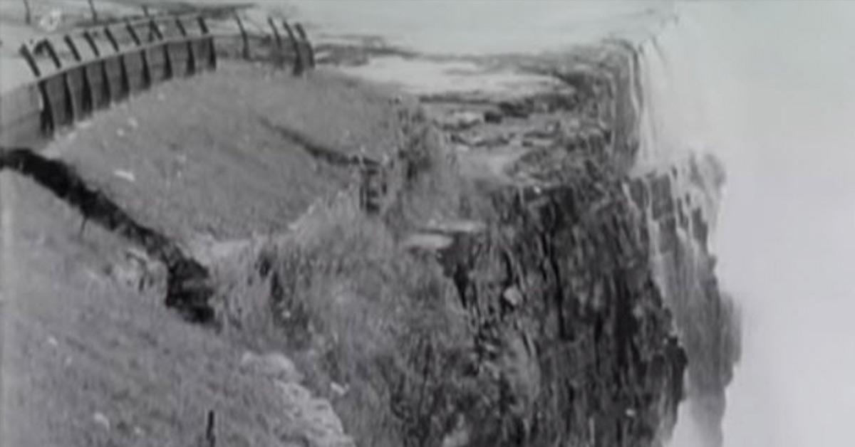 Niagara falls collapse
