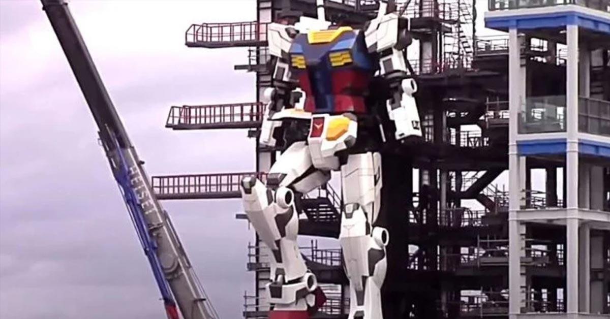 mecha-style robot